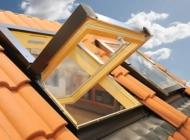 finestre-da-tetto-con-apertura-a-bilico